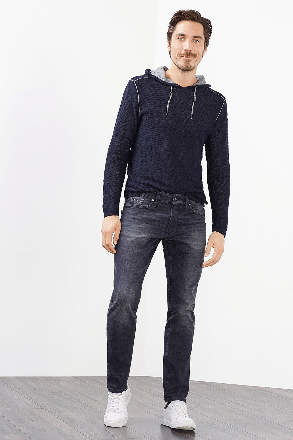 EDC 5-Pocket-Jeans aus Stretch-Denim